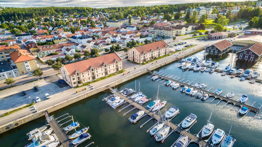 Granola Fastigheter Flygfotografering av Gula Hamnmagasinen i Hudiksvall